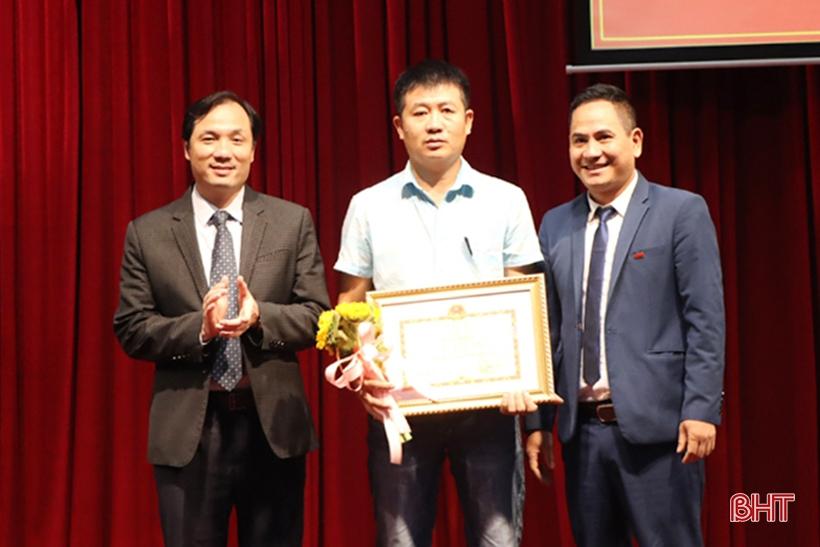 Tuyên dương 155 doanh nghiệp, hộ kinh doanh Hà Tĩnh thực hiện tốt chính sách thuế