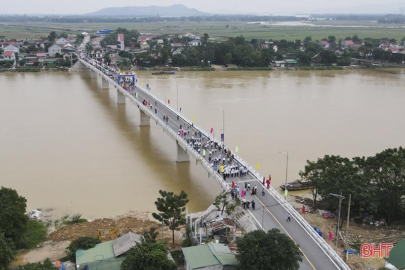 Khánh thành cầu Thọ Tường chào mừng Đại hội Đảng bộ tỉnh Hà Tĩnh